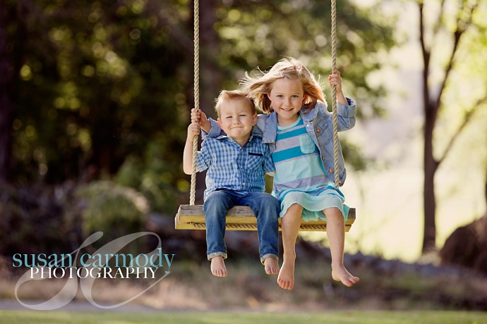 Kids on Swing_01